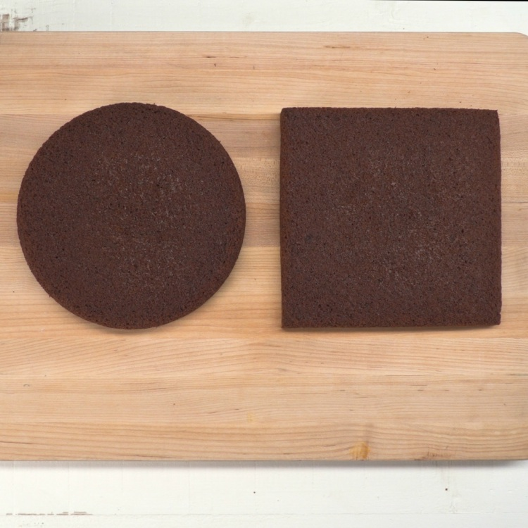 8-inch circle and 8-inch square cake to make heart