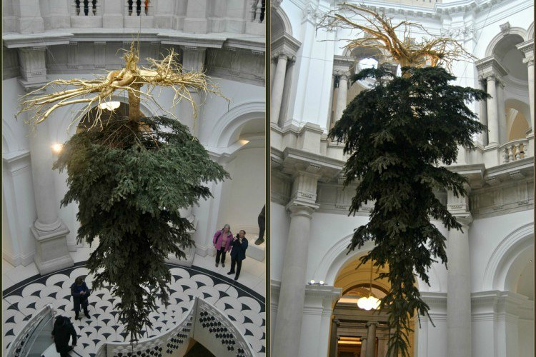 Here's The Meaning Behind The Upside-Down Christmas Tree Trend