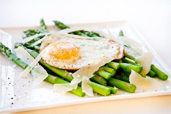 egg_asparagus
