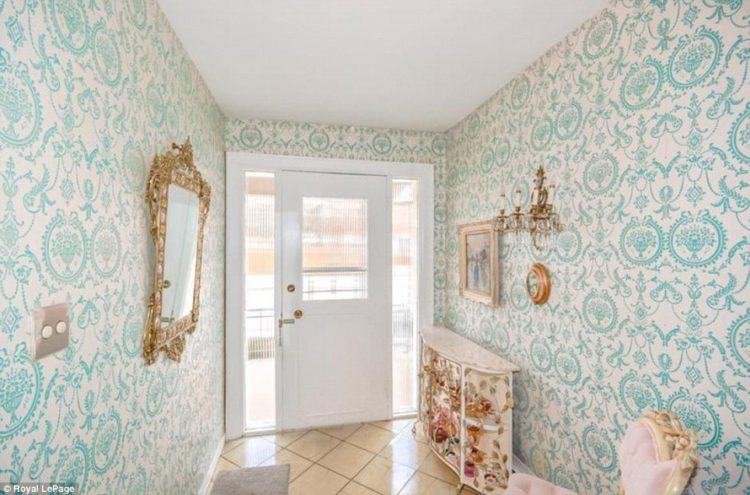 Image of entryway of 1950s home