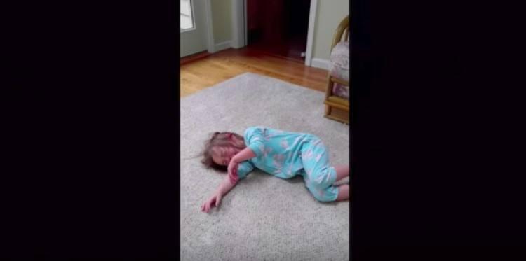 kid cries on floor