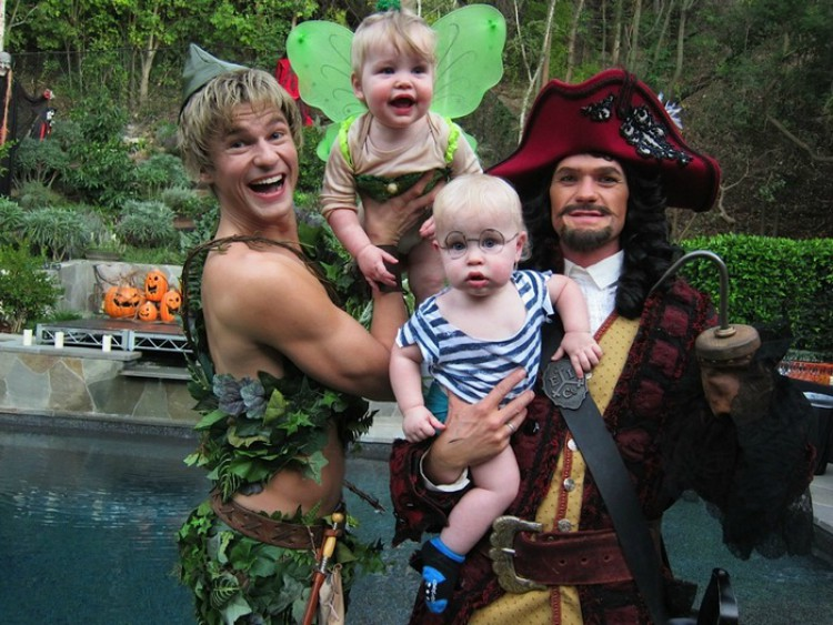 Neil Patrick Harris and family in Peter Pan costumes