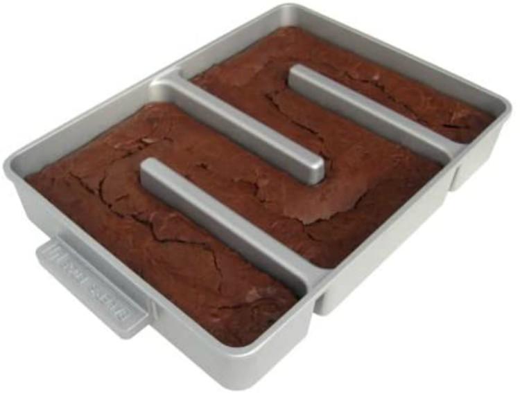 nonstick brownie pan