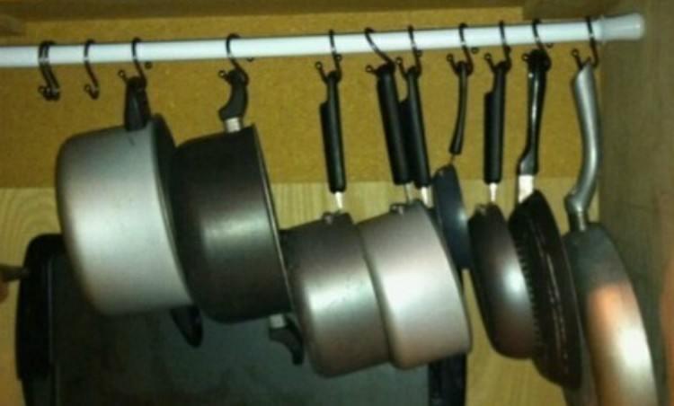 curtain rod pan holder