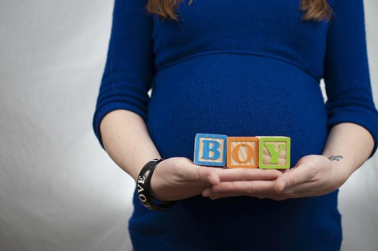 pregnant-gender-reveal