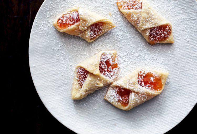 Finished Polish jam cookies called Kolackzi.