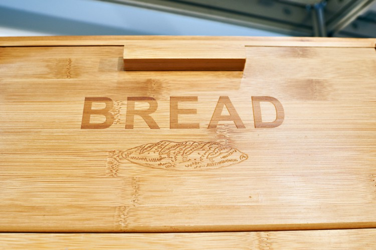 Image of a breadbox.
