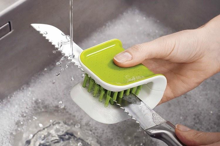 clean utensils
