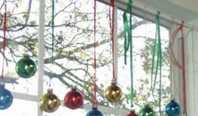 curtain rod ornament holder