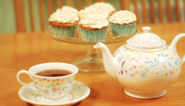 Image of tea and cupcakes