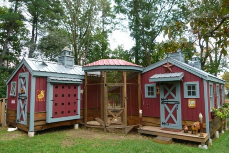 Just 13 Times People Got Creative Really With Their Chicken Coops