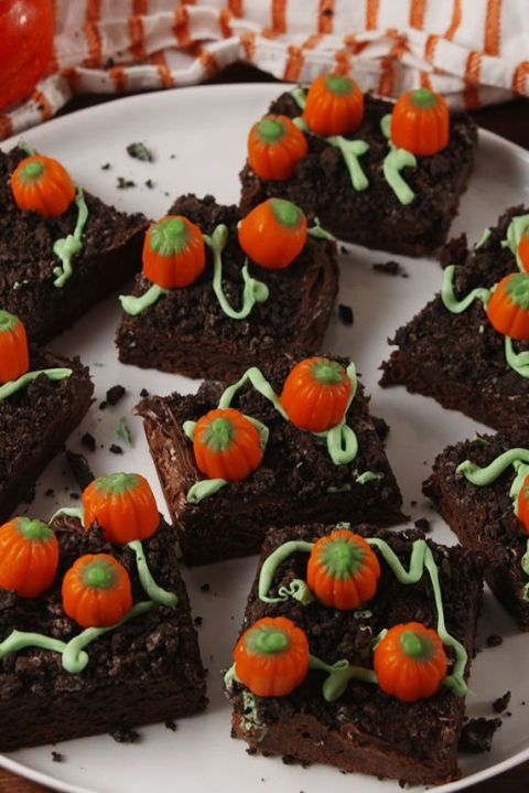 gallery-1505930239-delish-pumpkin-patch-brownies-pinterest-still003
