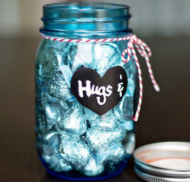 23 Ways To Make A Mason Jar Gift In A Jar For Valentine S Day