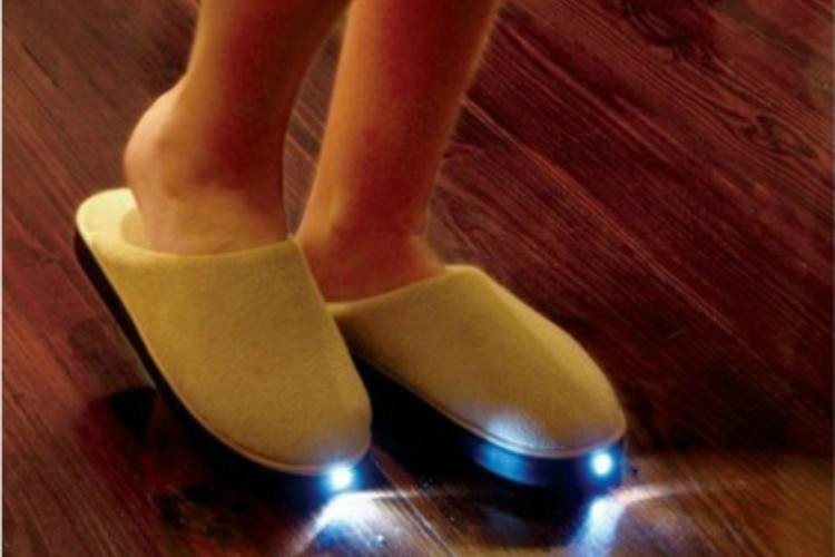 invention flashlight slippers