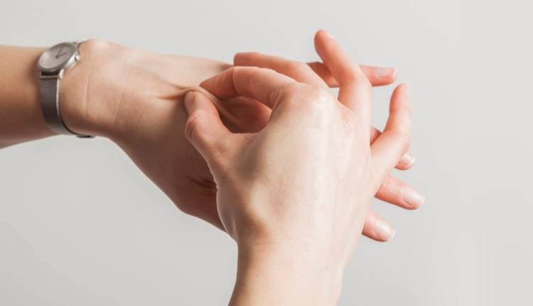 pinching hand