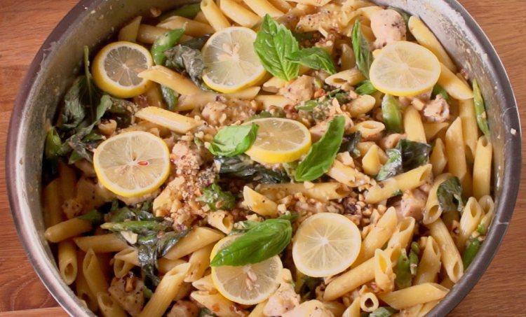 One-Pan Lemon Garlic Chicken Pasta