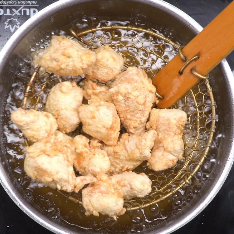 Orange Chicken frying