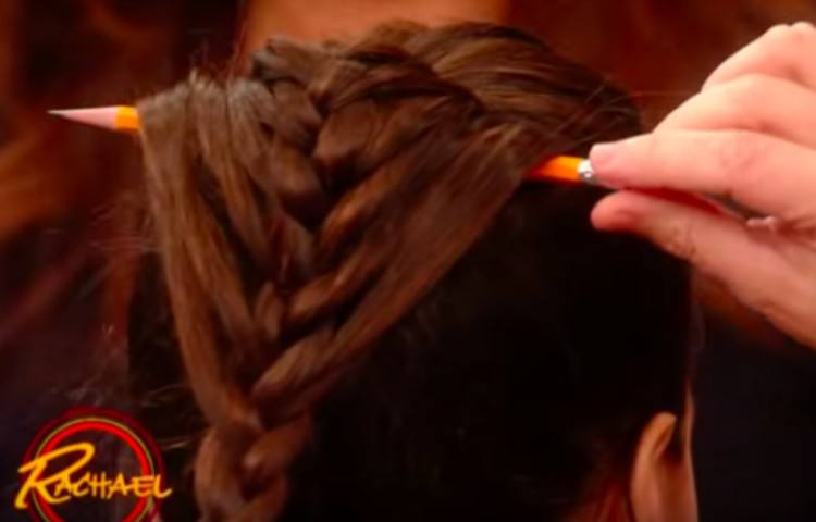 why sticking a pencil in your hair will help you achieve a perfect ribbon braid
