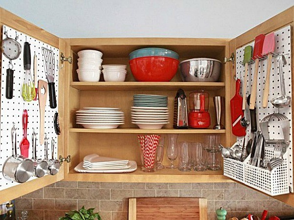 22 Clever Storage Ideas for Small Kitchens on art for small kitchens, cabinet styles for small kitchens, creative storage for small kitchens, storage cabinets for small kitchens, kitchen organization for small kitchens, kitchen colors for small kitchens, kitchen carts for small kitchens, kitchen renovations for small kitchens, small stoves for small kitchens, new designs for small kitchens, appliances for small kitchens, flooring for small kitchens, kitchen nooks for small kitchens, cafe tables for small kitchens, tips for small kitchens, kitchen designs for small kitchens, kitchen tables for small kitchens, good colors for small kitchens, kitchen layouts for small kitchens,