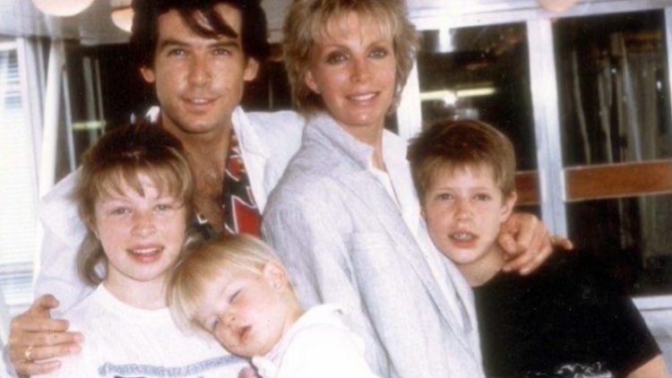 Picture of Pierce Brosnan with first wife Cassandra Harris and her children