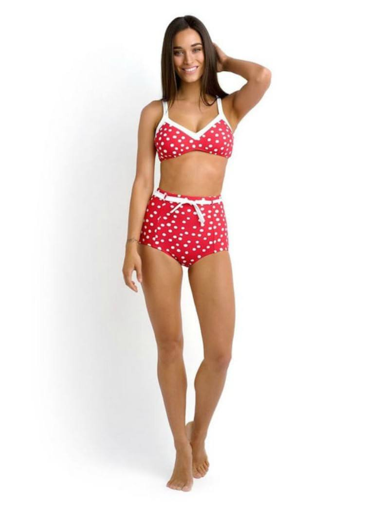 The bikini Irene wore on the website model.