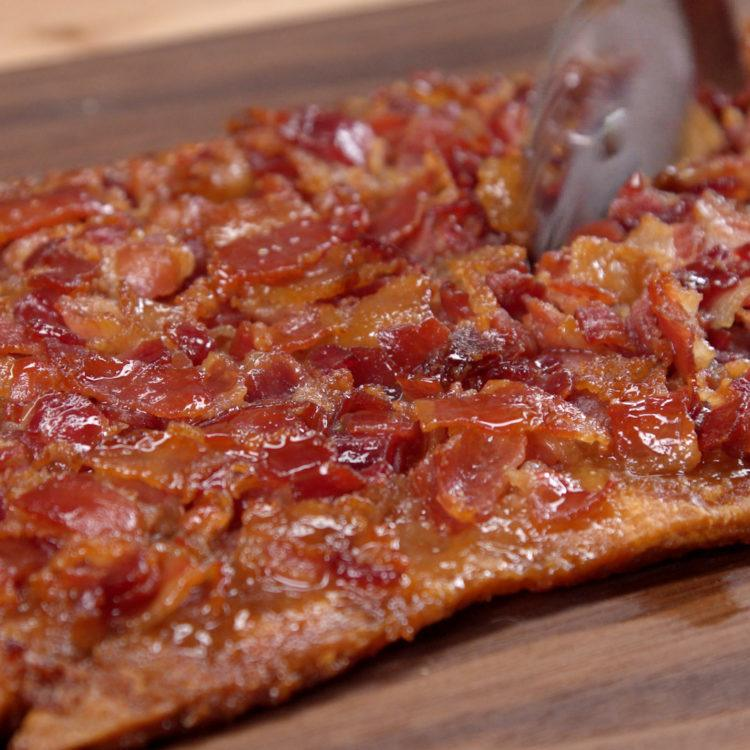 Maple Bacon Crack Cutting