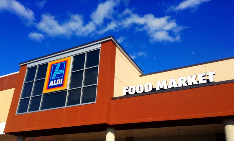 Image of front of Aldi supermarket