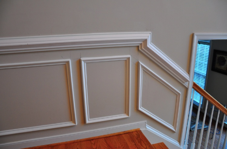 caulk crown moulding