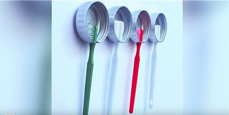 cap toothbrush holder