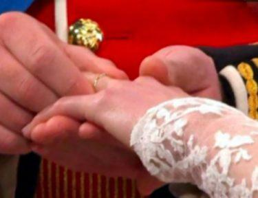 Prince William and Kate hands