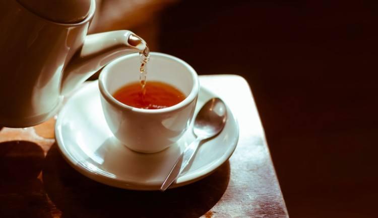tea pot and tea cup