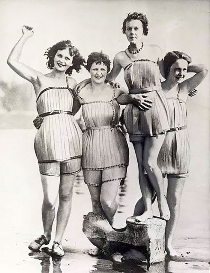 weird-things-women-did-vintage-pics-15-5b6316e43f1a9__700