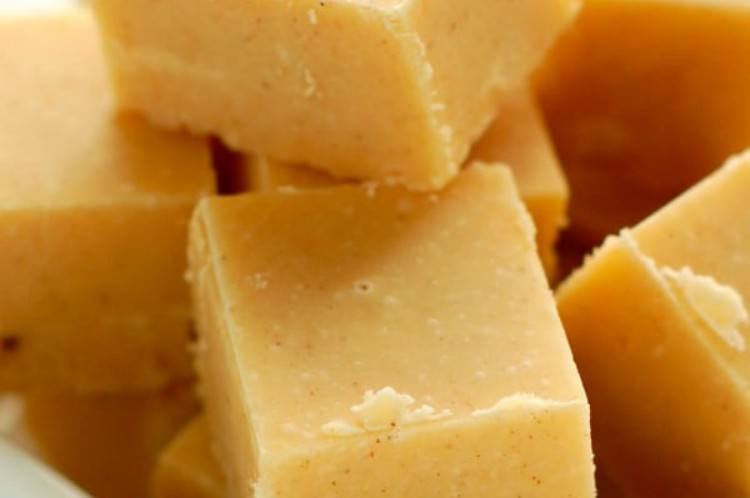 carrot cake fudge