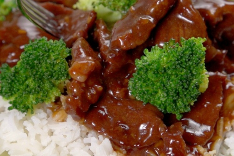 Slow_Cooker_Beef_BroccoliForList