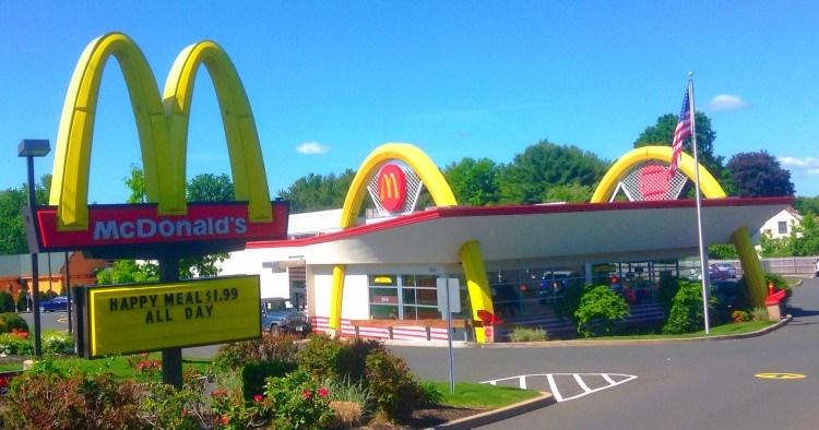 Image of McDonalds arches.