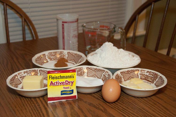OP LvH Cinnamon Roll Ingredients
