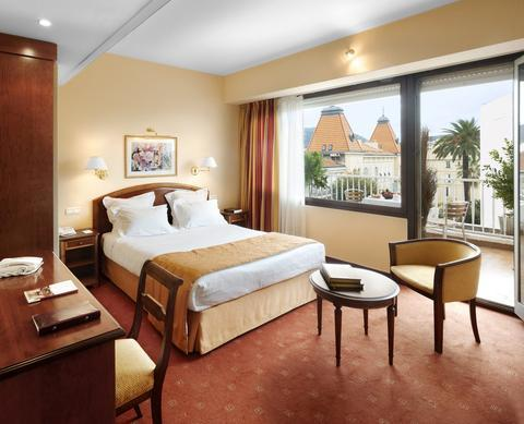 hotel_deal