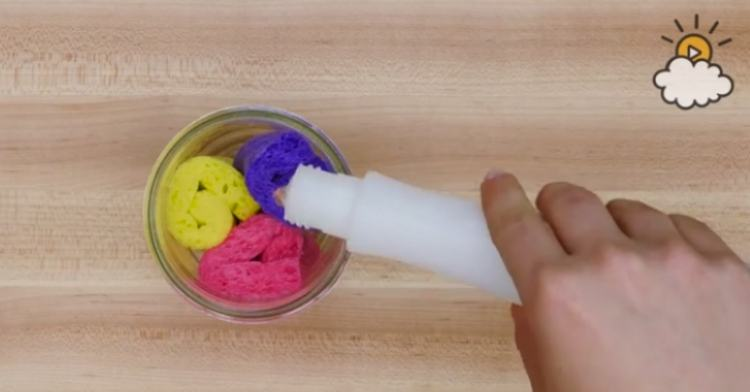 Pour acetone into jar with sponges