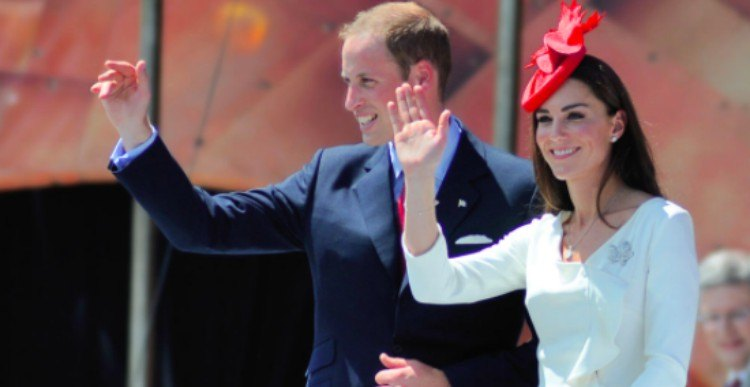 Will and Kate waving