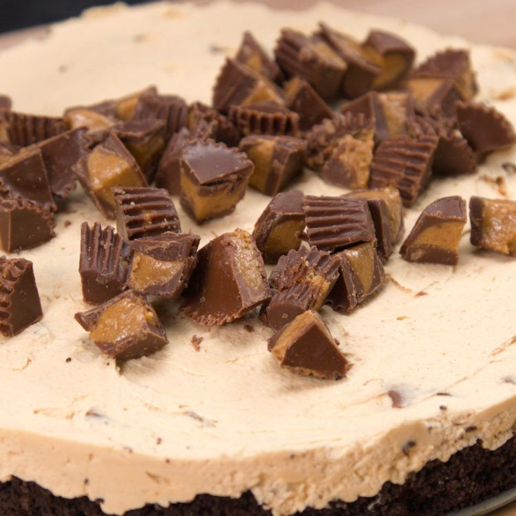 No-Bake Reese's Peanut Butter Cup Cheesecake Topping