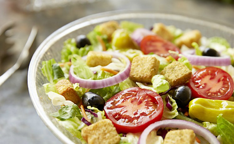 Image of Olive Garden salad.