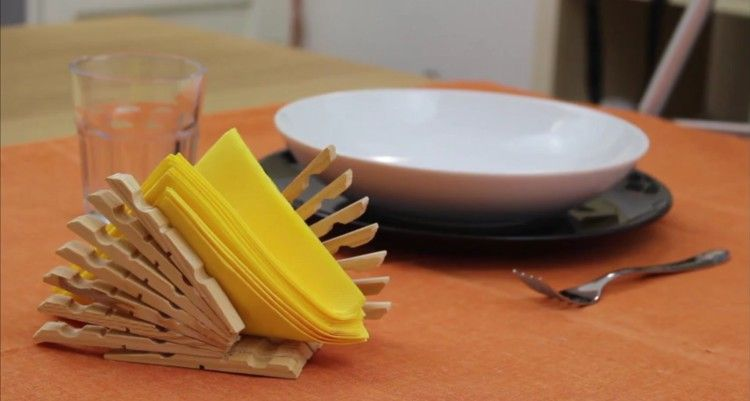 DIY clothespin napkin holder.