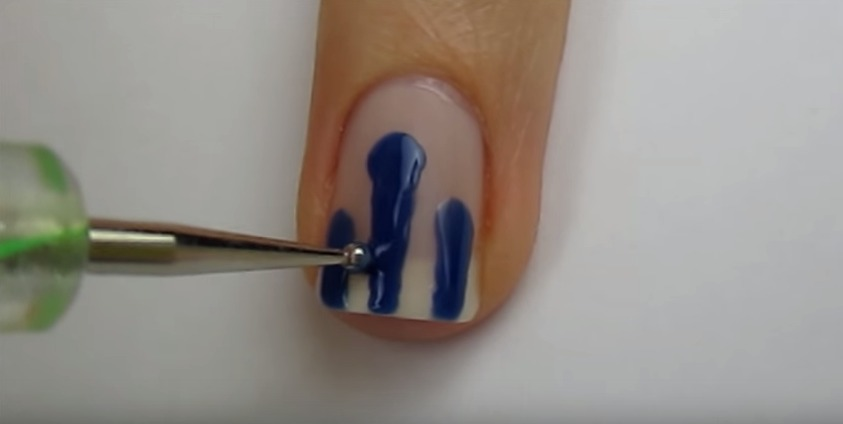 dripping_paint_nail_art