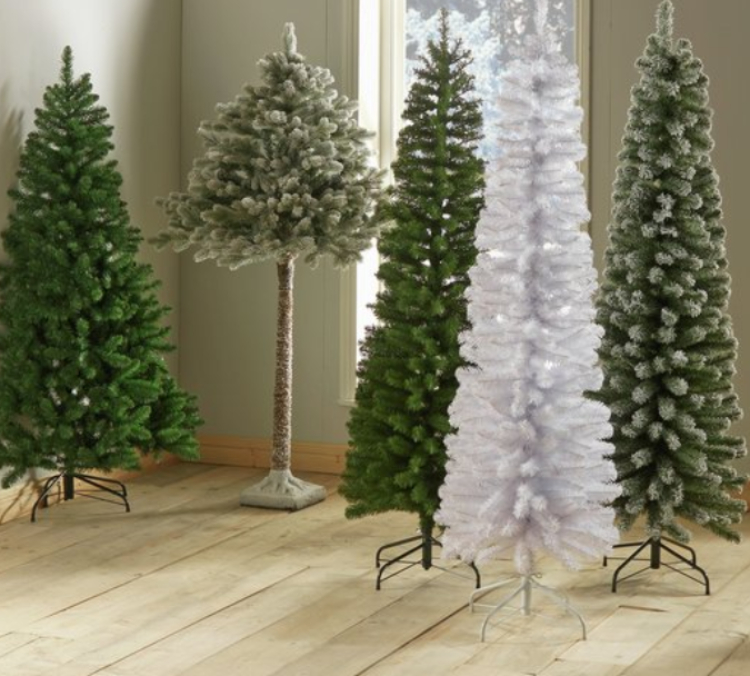 Half Christmas.Why Half Christmas Trees Are Trending This Year