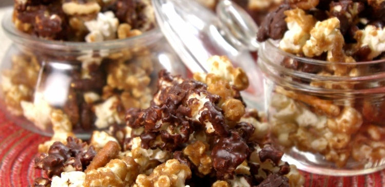 holiday-popcorn-close-up