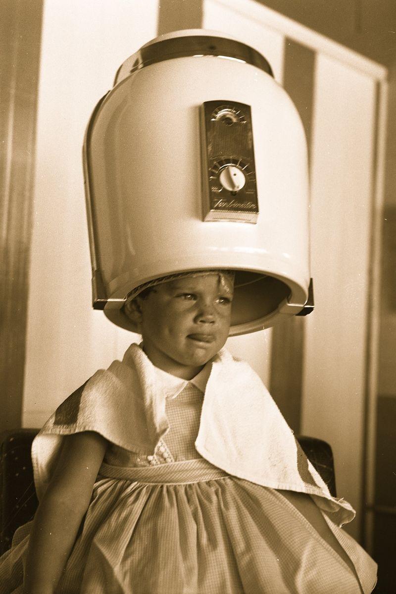 Girl_under_hair_dryer,_1958