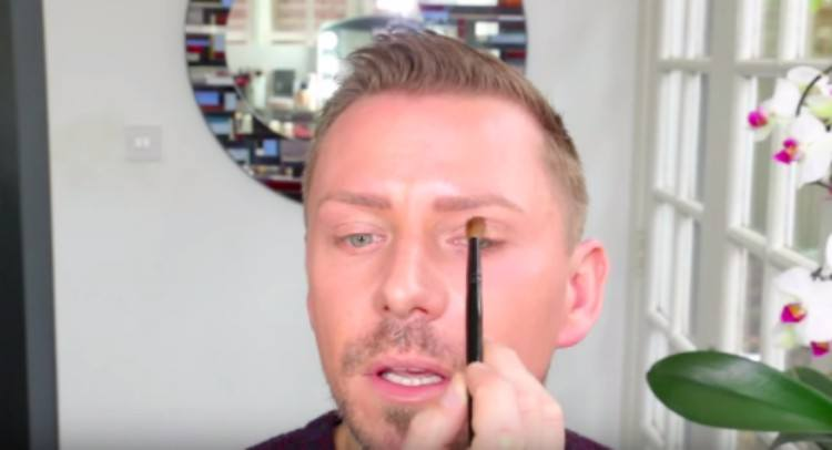 eye shadow technique