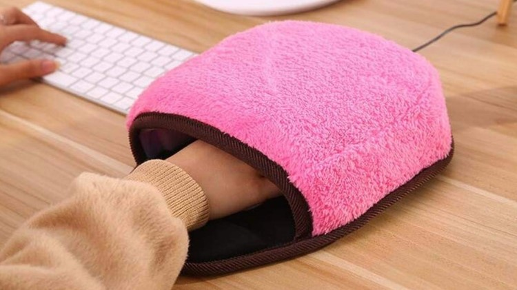 Image of heated mouse pad.