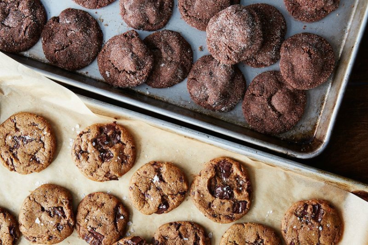 Half sheet pans for cookies, jellyrolls and more