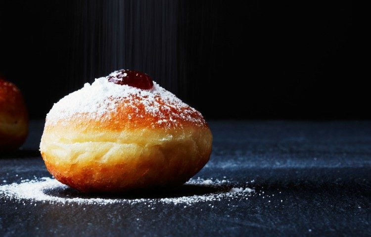 strawberry-sufganiyot1